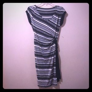 Liz Lange Maternity Small Black and White Dress